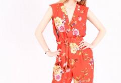 Care sunt culorile la moda pentru salopetele de dama?