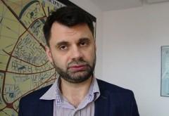Se strang semnaturi pentru demiterea primarului Ploiestiului, Adrian Dobre