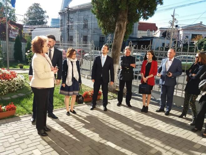 12 ambasadori europeni, in vizita la Muzeul Ceasului. CJ Prahova, gazda intalnirii