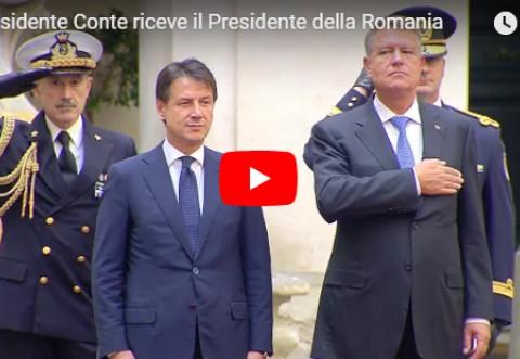 O nouă GAFĂ a lui Klaus Iohannis, în Italia: Cum a COMIS-O în fața soției sale