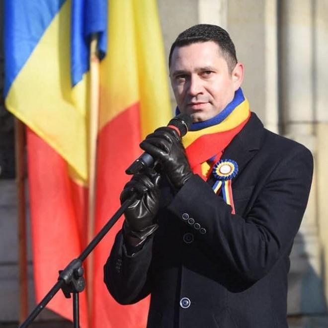 Bogdan Toader, mesaj de Sf. Nicolae: Moș Nicolae să vă ofere șansa de a oferi la rândul vostru un zâmbet