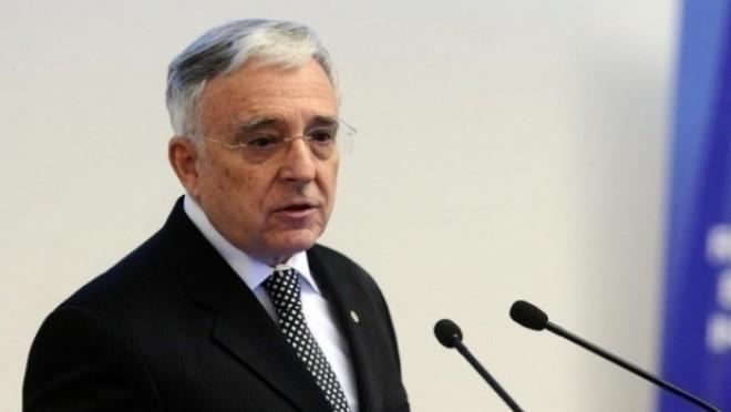 Isărescu: Oamenii trebuie să priceapă că pot cere statului şcoli şi spitale civilizate doar dacă-şi plătesc taxele