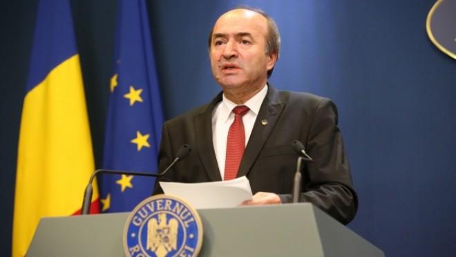 Tudorel Toader: Amnistia şi graţierea, ultima soluţie de îndreptare a unor abuzuri. Ministrul Justiţiei anunţă OUG pentru coduri