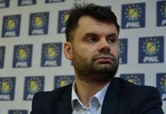 Primarul Dobre a ales sa petreaca de Valentine's Day in timp ce colegii il asteptau la sedinta despre fondurile europene