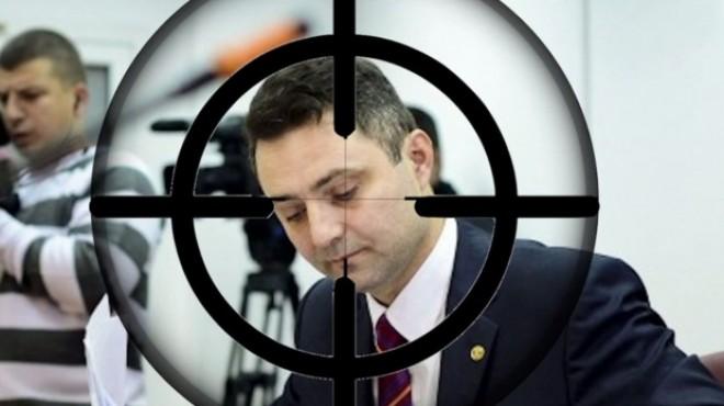 """Cum l-a executat """"Portocala"""" pe procurorul general Tiberiu Nitu, sa-i faca loc lui Lazãr: """"Mi-a zis ca daca nu scriu despre Nitu, imi aresteaza copilul"""""""