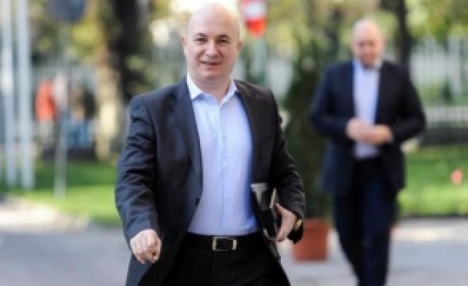 Codrin Ștefănescu il spulbera pe Ponta: Eu nu am stat cu demonii la șpriț, iar mama s-a prăpădit acum 15 ani