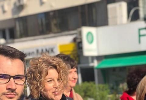Jurnalista Carmen Avram a venit la Campina. Cum au intampiat-o oamenii pe candidata PSD la europarlamentare