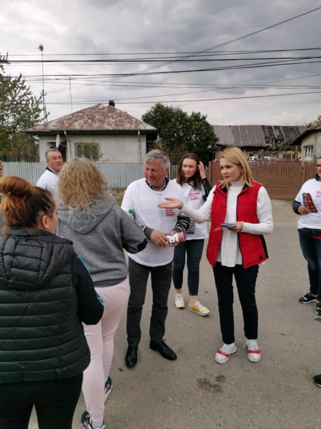 Deputatul Laura Moagher a stat de vorba cu locuitorii din Bucov si Berceni. Ce i-au transmis oamenii