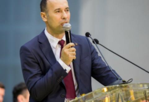 Primarul PNL din Podenii Noi, propus spre excludere dupa ce a batut un politist. Ce spune Iulian Dumitrescu, seful PNL Prahova