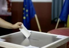 Bani IROSITI! Asociația pentru apărarea drepturilor omului desființează întrebările de la referendum: 'Sunt un simplu sondaj de opinie, fără urmări juridice'