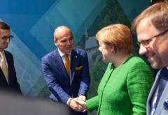 #neoSclavia/ Rareș Bogdan s-a închinat în fața Angelei Merkel