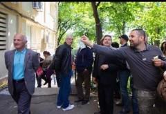 Cosette Chichirău, reclamată la CNCD pentru încurajarea umilirii unor protestatari în care s-au aruncat bancnote de 1 leu   FOTO