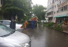 La Ploiesti se asfalteaza pe ploaie, ca doar e campanie