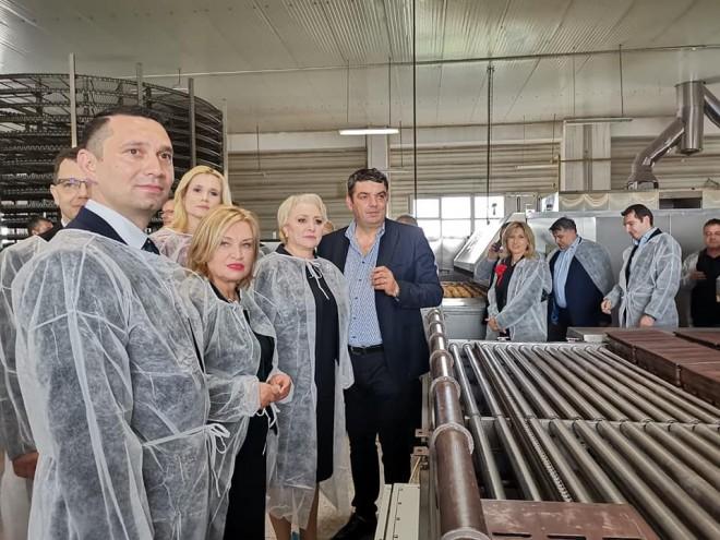 Producatori prahoveni, vizitati de premierul Dancila. Invitatia i-a apartinut lui Bogdan Toader