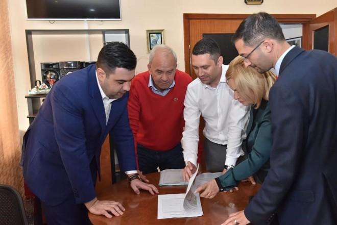 Bogdan Toader, dupa intalnirea cu ministrul Transporturilor: Avem vesti bune: largirea la patru benzi a DN 72, precum și a DN1B