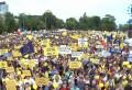 PNL Prahova a dus cu autocarele 1900 de persoane la mitingul de azi, din Piata Victoriei