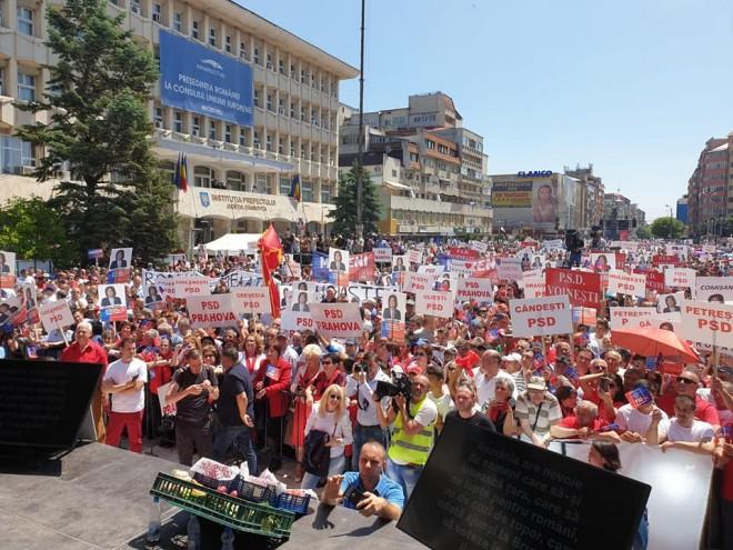 Miting PSD la Targoviste/ Membrii PSD Prahova, prezenti in numar mare