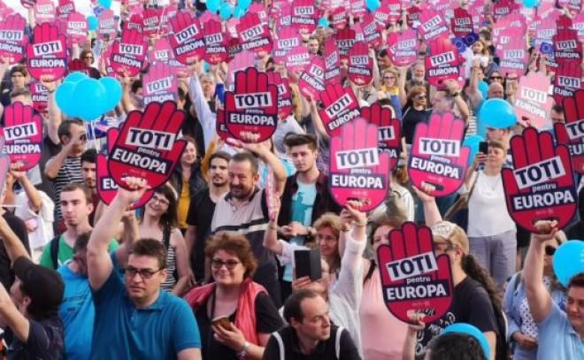 Cine finanțează ONG-ul Declic, cel care a organizat mega-protestul 'Toți pentru Europa'