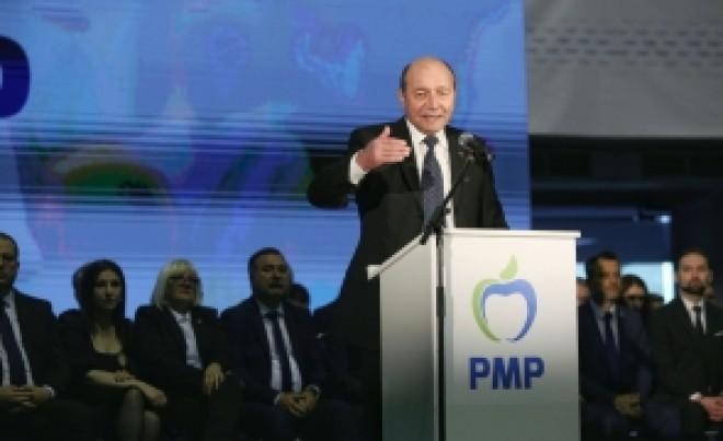 Traian Băsescu îl JOACĂ în PICIOARE pe Frans Timmerans: 'De unde până unde Codul Penal e statul de drept?'