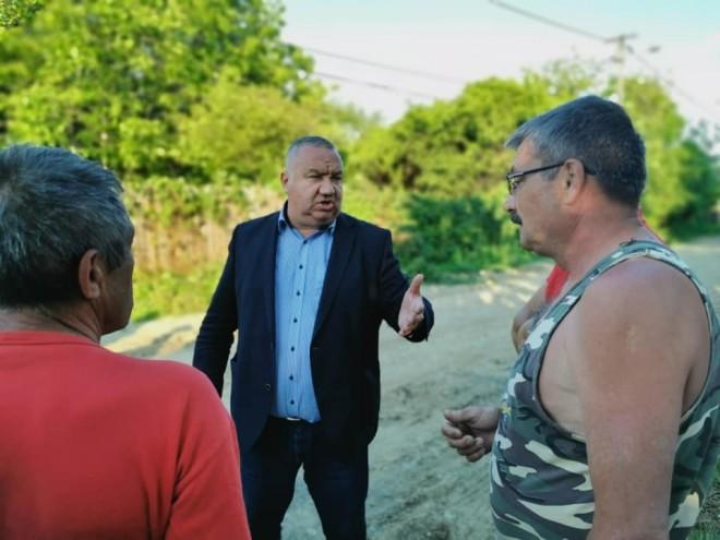 Viceprimarul Ganea isi tien promisiunile! Vizita in cartierul Mitica Apostol, pentru verificarea lucrarilor la reteaua de canalizare