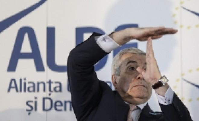 Călin Popescu Tăriceanu îl SPULBERĂ pe Ludovic Orban: este un șomer politic. Mă întreb ce scrie în CV-ul lui?