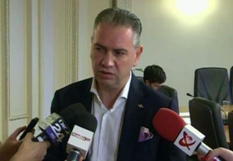 """Tupeu incredibil! Deputatul PNL Ben Oni Ardelean, ieşire nervoasă: i-a numit """"nesimţiţi"""" pe jurnalişti şi i-a ameninţat"""