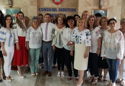 Doamnele din Consiliul Judetean Prahova sarbatoresc Ziua internationala a iei
