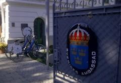 Ambasada Suediei ii umileste pe romani