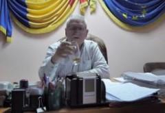 """Primar din România: Stați să-mi beau whisky-ul ăsta. Gata, putem începe """"interviul"""". Dialog halucinant"""