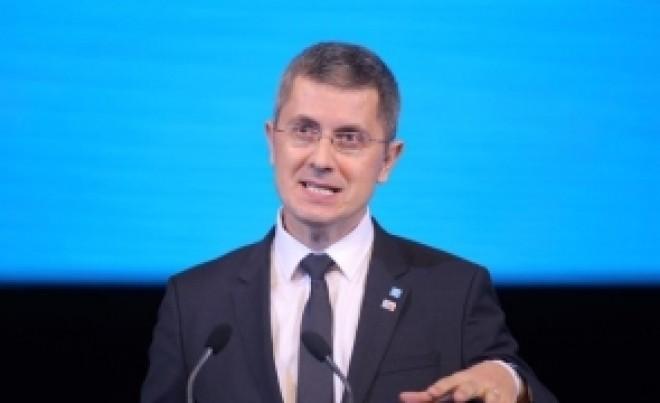 Dan Barna, contracte pe bandă rulantă cu PSD. CÂT a câștigat șeful USR