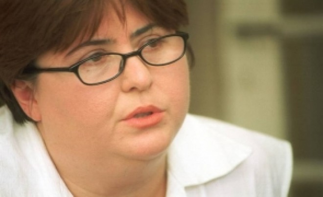 Alina Mungiu Pippidi intră la rupere după decizia CCR: 'Constituția e valabilă și pentru popor'. Rareș Bogdan și Moise Guran, atacați virulent