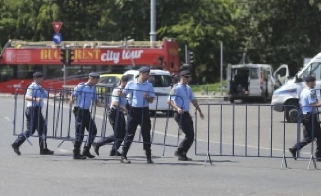 Jandarmeria îndemnă la CALM, după primele VIOLENȚE din Piața Victoriei comise de Mălin Bot și Cristian Dide