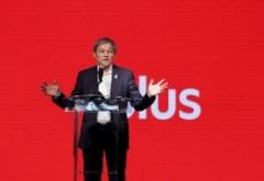 SCANDAL încheiat cu DEMISIE in PLUS: Dacian Cioloș e acuzat din interior că manipuleaza si aduce membri la vot cu autobuze