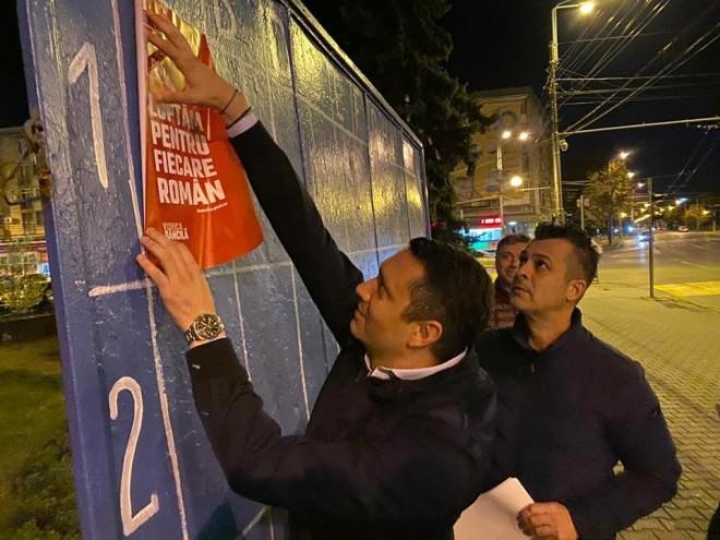 Start campanie electorala! PSD Prahova, primii care au lipit afise in Ploiesti