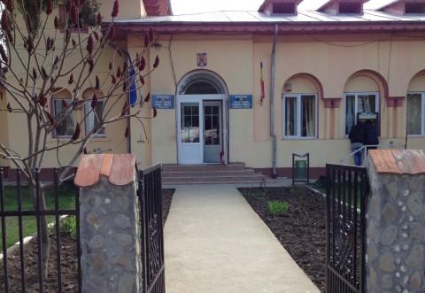 La Ploiesti, liberalul Dobre n-a fost in stare! Comuna Lipănești a semnat contractul de finanțare pentru modernizarea și extinderea sistemului de iluminat public