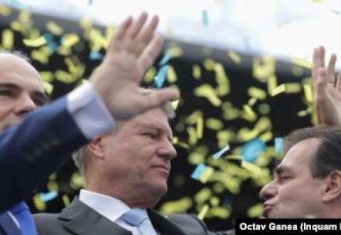 V-am dat jos, v-am pupat! Iohannis pleaca in Japonia. Presedintele lasa de izbeliste guvernul in cel mai critic moment