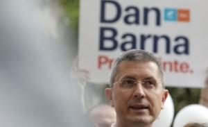 Fostul preşedinte CCR Augustin Zegrean: 'Era bine ca Dan Barna să se abţină de la a candida'