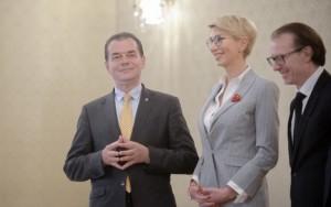 Romania, condusa de neispraviti! REUTERS: Analiștii financiari anunță că EURO va SĂRI bine de 5 lei în 2020