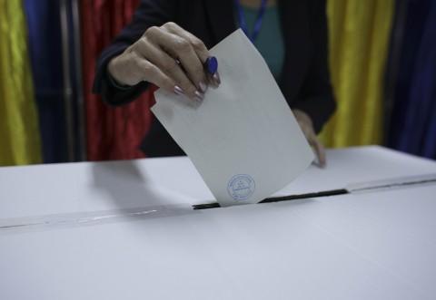 Alegerea primarilor în două tururi, misiune imposibilă: CCR și UDMR ar putea bloca inițiativa liberalilor