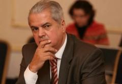 Adrian Nastase il da in judecata pe Iohannis. Vezi aici motivul