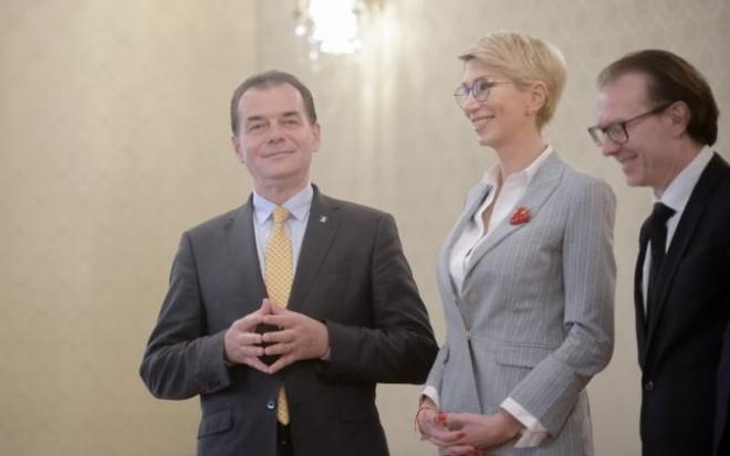 ALERTĂ/ Elevii depun PLÂNGERE PENALĂ pe numele miniștrilor din cabinetul Orban