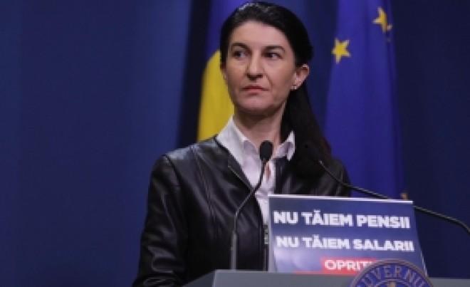 Violeta Alexandru a 'REZOLVAT' toate problemele cu pensiile: ACUM face ORDINE în arhive