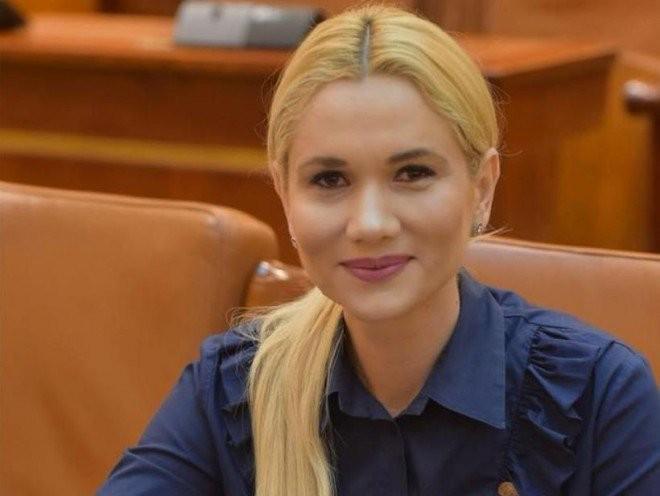 La multi ani, Laura Fulgeanu-Moagher! Deputatul prahovean implineste, astazi, 40 de ani