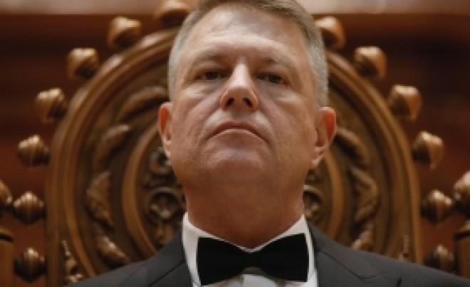 """Klaus Iohannis, TOCAT de un fost membru CSM: """"A ÎNCĂLCAT recomandările MCV si slabeste sistemul judiciar"""""""