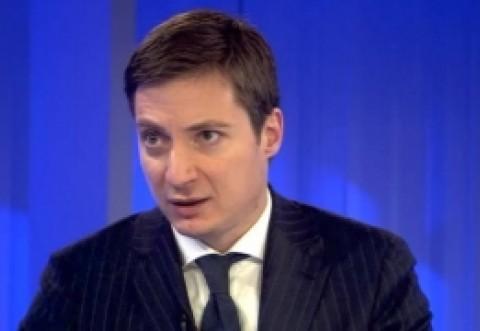 """Mai intai Chirilã, acum Caramitru: """"Îmi cer scuze ca am făcut campanie pe Facebook pentru Iohannis. Îmi pare rău"""""""