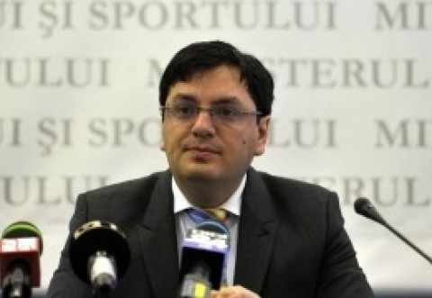 Nicolae Bănicioiu, fost ministru al Sănătăţii, cere măsuri urgente în cazul coronavirusului: 'Treziţi-vă până nu este prea târziu'