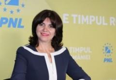 Consiliul Elevilor o BAGĂ ÎN CORZI pe Monica Anisie: se cere ÎNCHIDEREA tuturor școlilor și dotarea permanentă cu materiale dezinfectante