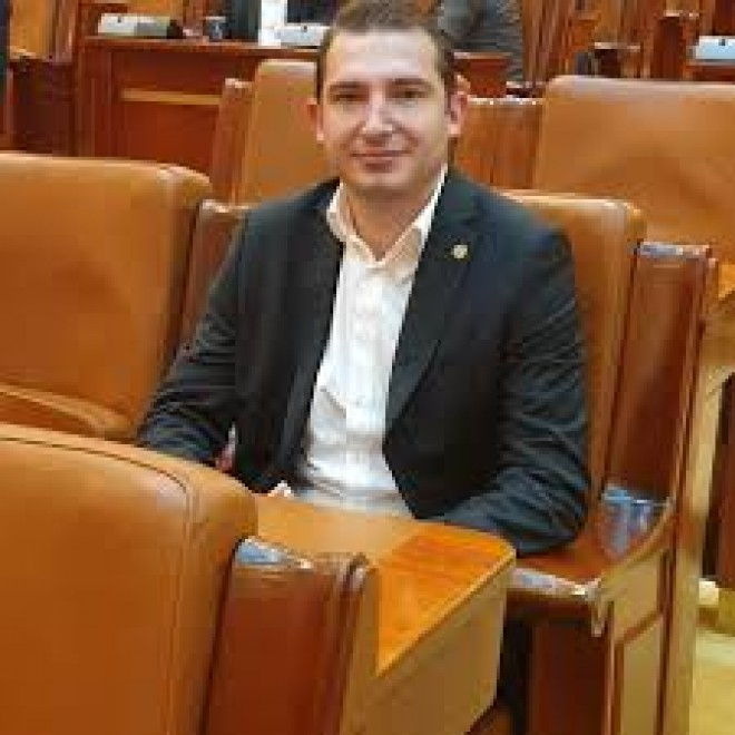 """Deputatul PSD Prahova Razvan Ursu: """"Multumesc Consiliului Local pentru demersul achizitionarii unui aparat PCR"""""""