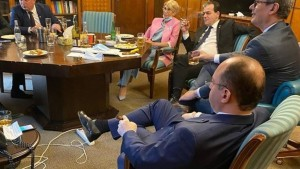 Liberal... de stanga! Orban amana relaxarea masurilor si ii ameninta pe patronii de terase