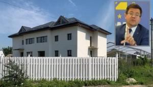 Miracolele de la PNL continuă! Iohannis și-a făcut 6 case doar din meditații, Alexe și-a tras struți și ponei doar din leafa de ministru